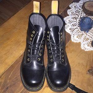 Dr. Marten's Boots- Black